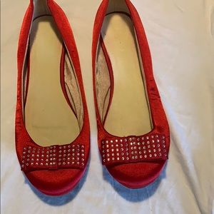 ALDO red flat shoes
